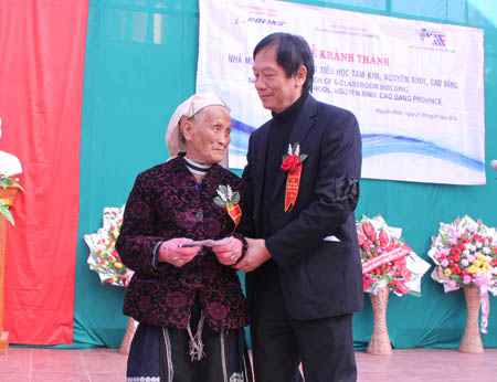 Bà Bàn Thị Chủ ngừoi Dao, Bí danh Kim Sơn là người nấu cơm cho đội Việt Nam tuyên truyền giải phóng quân