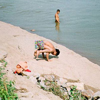 Bãi tắm tiên giữa lòng Hà Nội