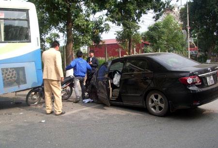 Vụ xe rớt bánh gây tai nạn liên hoàn hôm 29 Tết.