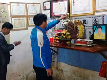Di ảnh anh Trần Hữu Hiệp.