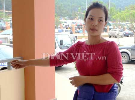 Chị Quỳnh mô tả lại cảnh túm tay người đàn bà móc chiếc Iphone5 của mình