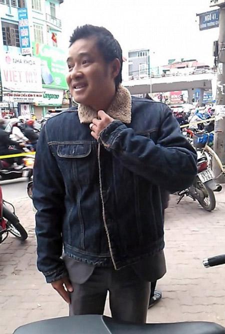Hồng Sơn vẫn luôn thân thiện với người đối diện