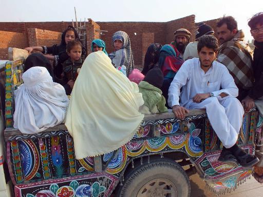 Luật tục của nhiều bộ lạc ở Pakistan coi việc quan hệ ngoài hôn nhân là hành vi tồi bại, cần bị nghiêm trị (Ảnh minh họa: AFP)