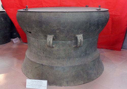 Trống đồng Cẩm Giang đang được bảo quản trưng bày tại Bảo tàng tỉnh  Thanh Hóa - Ảnh: Ngọc Minh