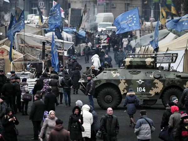 Tại quảng trường Độc lập ở thủ đô Kiev ngày 25/2. (Nguồn: AFP/TTXVN)