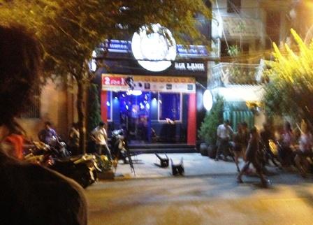 Khu vực trước quán bar Gold Beer Club nơi nhóm Việt kiều bị bắn