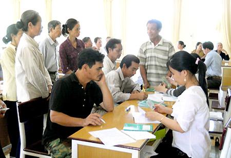 Cho hộ nghèo vay vốn tại xã Xuân Bắc,  huyện Xuân Lộc, Đồng Nai.