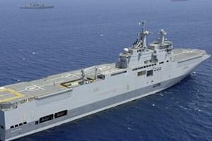 Tàu đổ bộ lớp Mistral của hải quân Pháp. (Nguồn: RIANovosti) Trong một động thái được nhìn nhận là nhằm gây sức ép đối với Moskva liên quan tới cuộc khủng hoảng tại Ukraine, Pháp để ngỏ khả năng hủy hợp đồng bán 2 tàu chiến lớp Mistral cho Nga theo đơn đặt hàng trước đó.  Trả lời phỏng vấn hãng tin AFP ngày 20/3, Bộ trưởng Quốc phòng Pháp Jean-Yves Le Drian cho biết kế hoạch bàn giao tàu đầu tiên là vào tháng 10 tới,