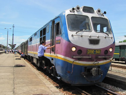 Một số quan chức ngành đường sắt ViệtNam đang dính phải nghi án nhận hối lộ lên tới gần 800.000USD.
