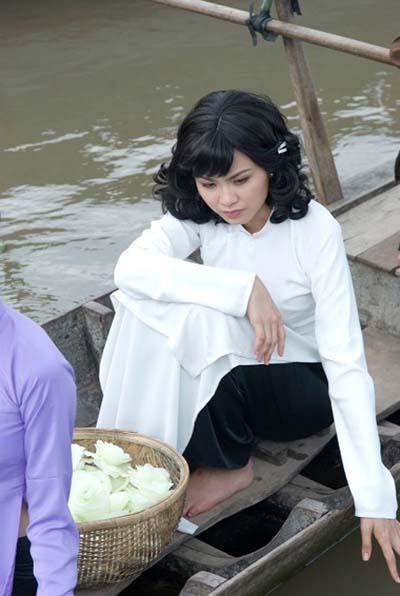 Hoa hậu Diễm Hương trên phim trường Mỹ nhân Sài Gòn