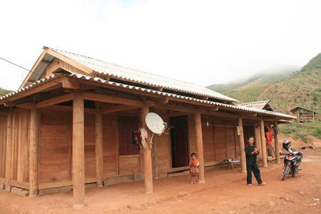 Ngôi nhà mới khang trang của anh Vừ Chồng Phùa.