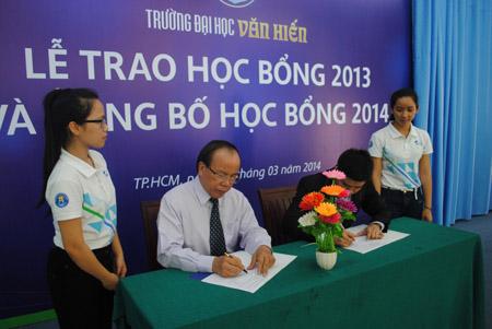 Lễ ký kết hợp  tác đào tạo giữa ĐH Văn Hiến và Công ty Trần Hân