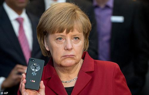 Điện thoại của Thủ tướng Đức Angela Merkel bị NSA theo dõi, nghe lén. Ảnh: AP