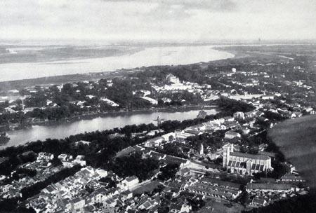 Khu phố nhà thờ năm 1929 và năm 1951