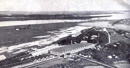 Nhà máy thuốc lá và khu vực trường đại học, nhà hát