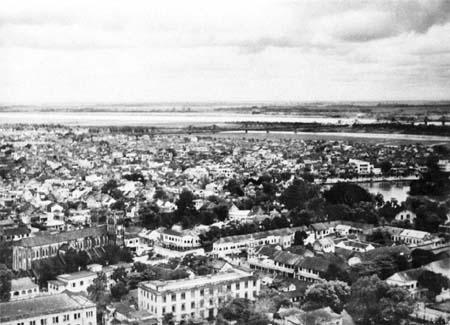 Khu vực nhà thờ, hồ Hoàn Kiếm năm 1951