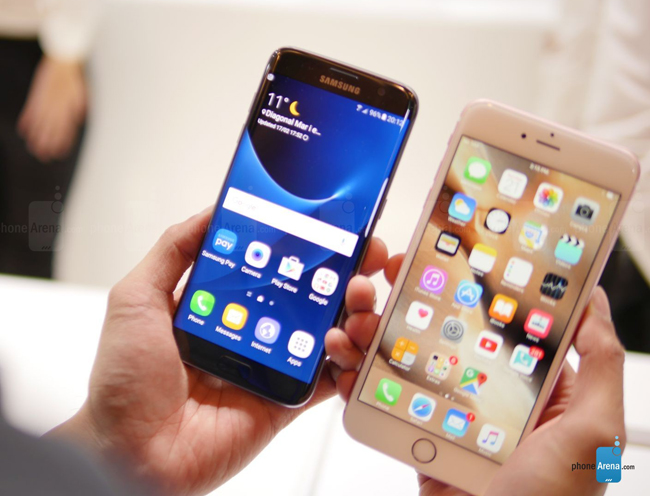 so sanh galaxy s7 edge vs iphone 6s plus: cham tran nay lua hinh anh 1