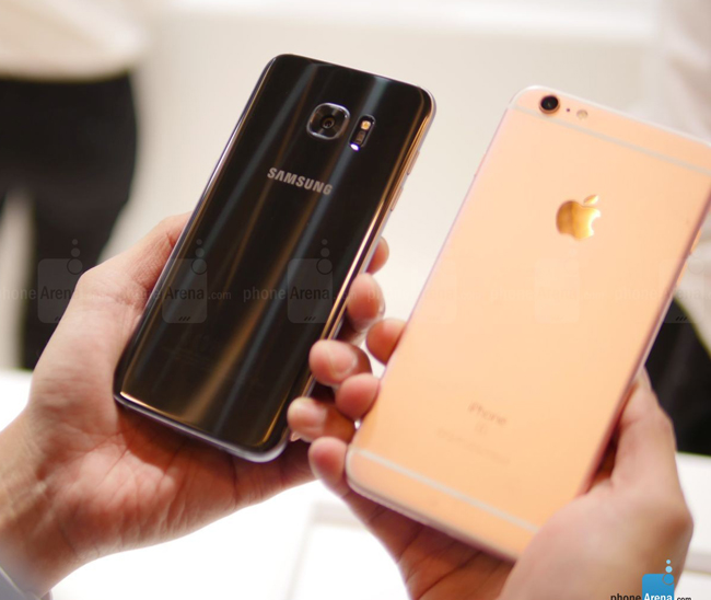 so sanh galaxy s7 edge vs iphone 6s plus: cham tran nay lua hinh anh 2
