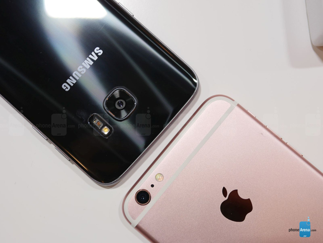 so sanh galaxy s7 edge vs iphone 6s plus: cham tran nay lua hinh anh 12