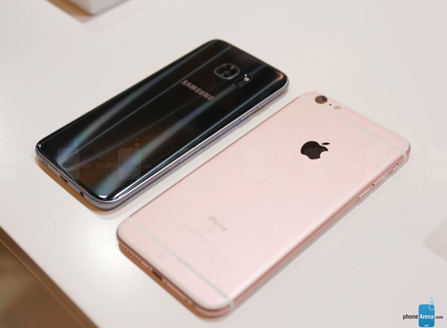 so sanh galaxy s7 edge vs iphone 6s plus: cham tran nay lua hinh anh 10
