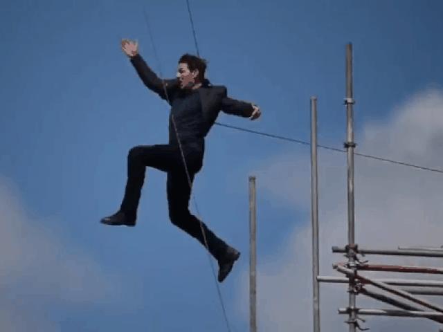 """Tom Cruise bị chấn thương nghiêm trọng khi đóng """"Nhiệm vụ bất khả thi 6"""""""