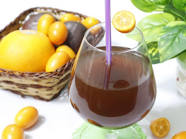 Trời lạnh mà có ly trà nóng kim quất mật ong chua chua ngọt ngọt thì còn gì bằng