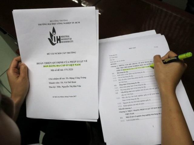 """Tân PGS bị tố """"đạo văn"""" xin rút tên khỏi danh sách PGS"""