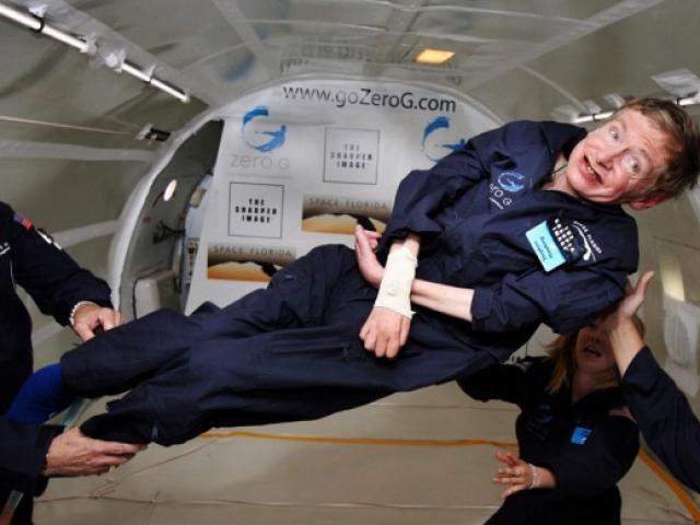Stephen Hawking: Từ học sinh cá biệt đến thiên tài vật lý hàng đầu