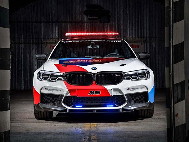 Sedan siêu mạnh BMW M5 2018 làm xe an toàn ở MotoGP