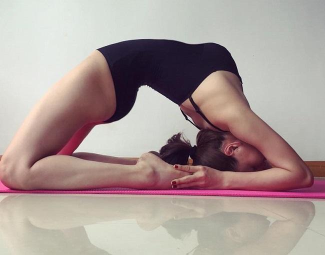 khoanh khac tap yoga cuc goi cam cua bao anh va my nhan viet hinh anh 12