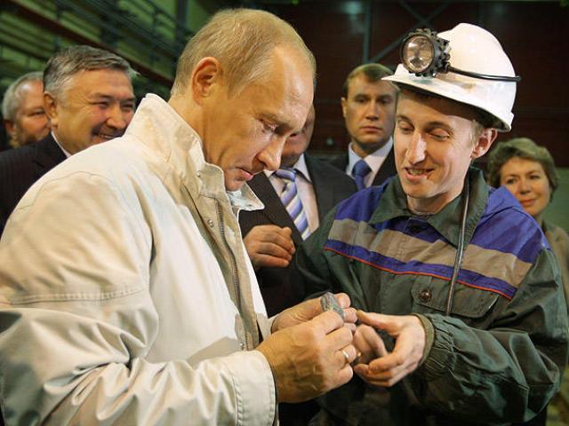 """Kho báu 75 nghìn tỉ USD giúp Nga """"xem thường"""" mọi lệnh cấm vận từ Mỹ"""