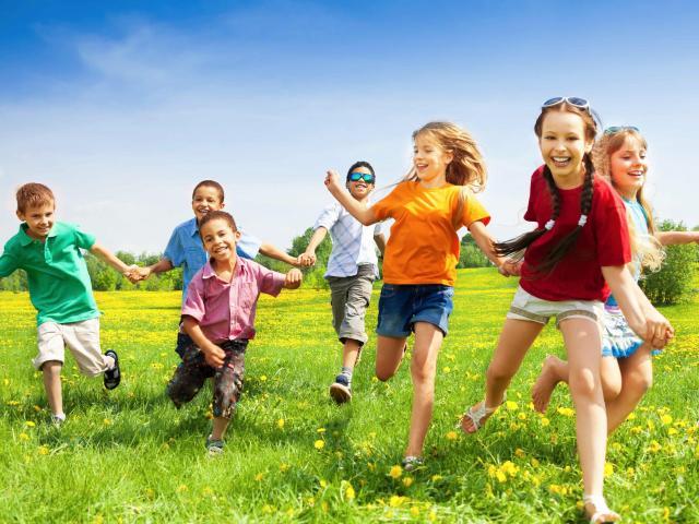 Cha mẹ Việt cứ thích con điểm cao nhưng 5 kỹ năng này còn quan trọng hơn