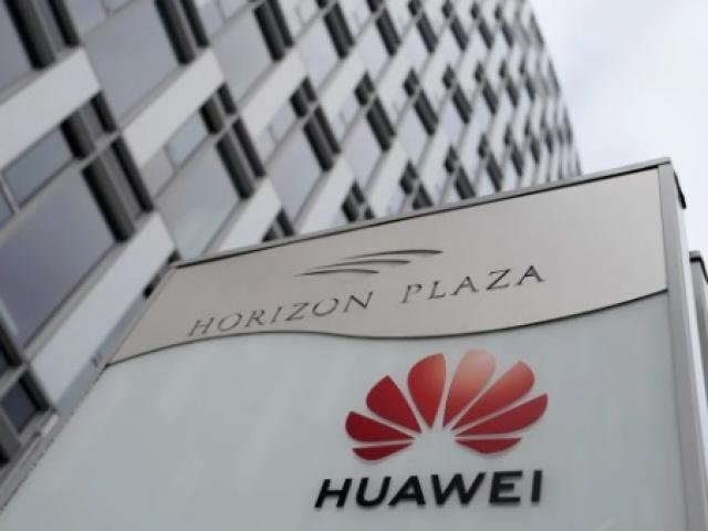 Động thái bất ngờ của Huawei sau khi giám đốc thứ hai bị bắt giữ