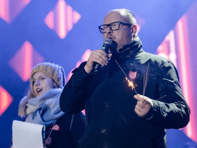 Video thị trưởng Ba Lan bị đâm chết ngay trên sân khấu ca nhạc