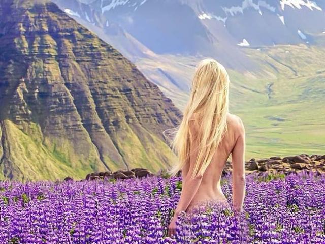 Hot girl xinh đẹp nude khắp thế gian, dân phượt rủ nhau truy tìm tung tích