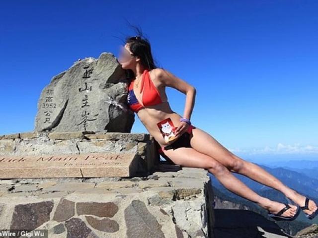 Mặc bikini leo núi, gái trẻ nhận cái kết cực đắng