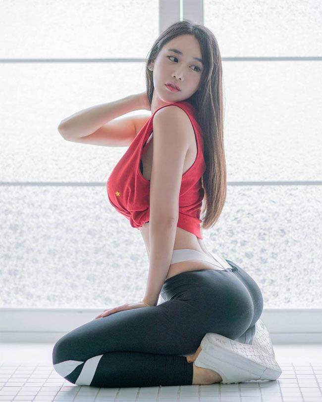 my nhan han quoc mac jean cung quyen ru nho cham tap tennis hinh anh 6