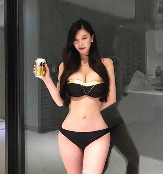 muon kieu mac bikini, monokini gay kho chiu nguoi nhin cua chi em chau a hinh anh 2