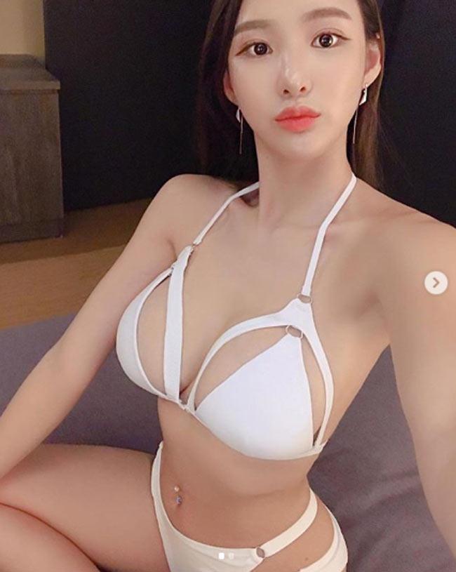 muon kieu mac bikini, monokini gay kho chiu nguoi nhin cua chi em chau a hinh anh 3