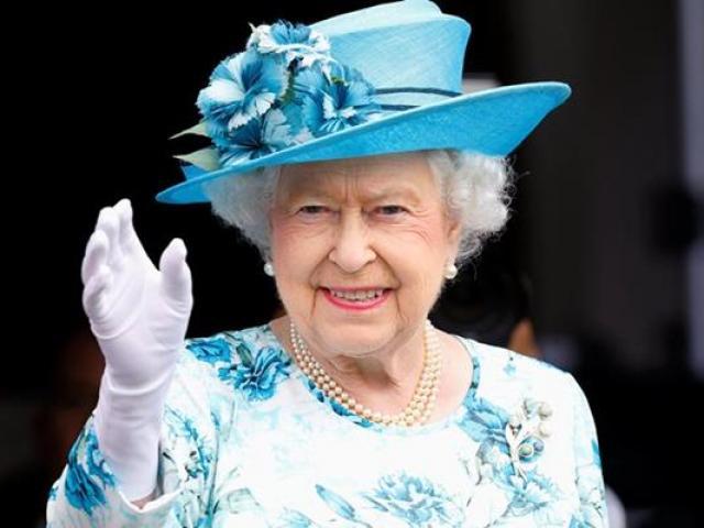 """Thành viên hoàng gia nào giàu """"nứt đố đổ vách"""" hơn?"""