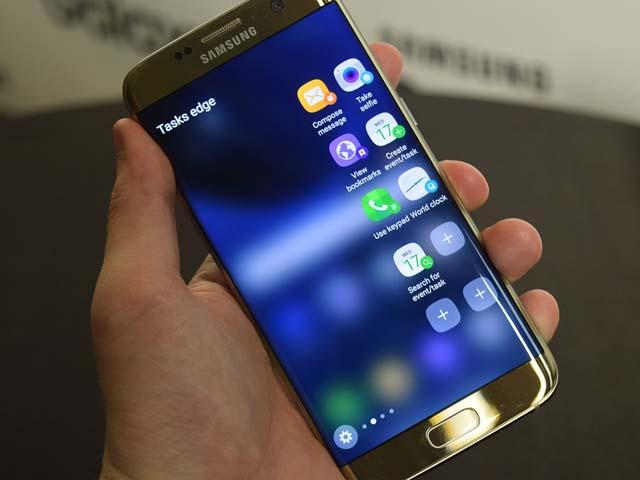 """Samsung vẫn """"nói không"""" với tai thỏ sau 10 năm phát triển và đây là lý do"""