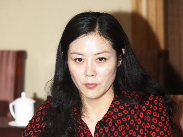 Nữ quan chức Trung Quốc xinh đẹp đổi tình dục lấy quyền lực