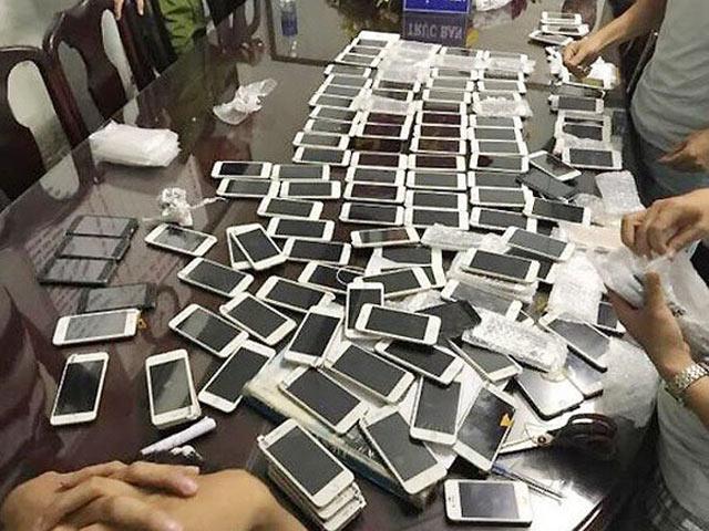 Hàng điện tử, điện thoại nhập lậu ồ ạt đổ về Hà Nội