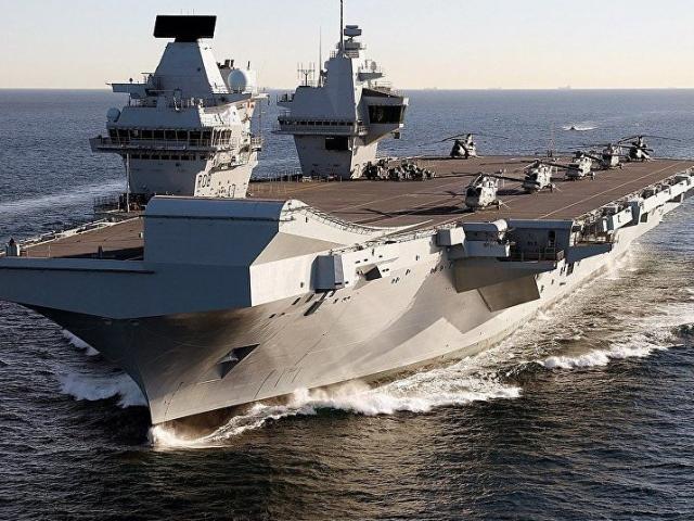 Tàu sân bay Anh đến Biển Đông thách thức Trung Quốc mang vũ khí gì?