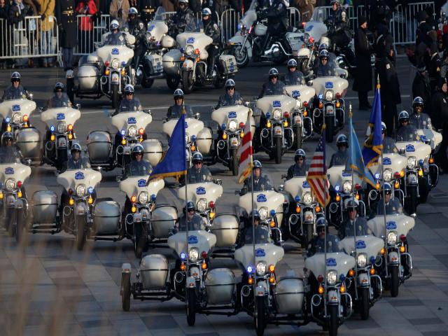"""Có hàng chục môtô """"khủng""""tháp tùng Tổng thống Donald Trump"""