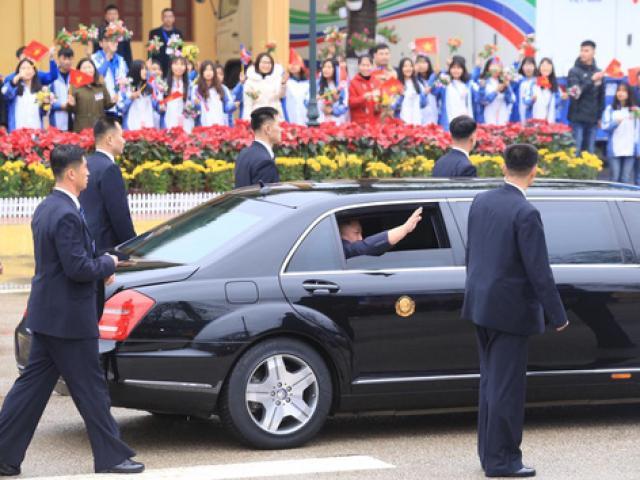 [TRỰC TIẾP]: Chủ tịch Triều Tiên Kim Jong-un đang trên đường từ Lạng Sơn về Hà Nội