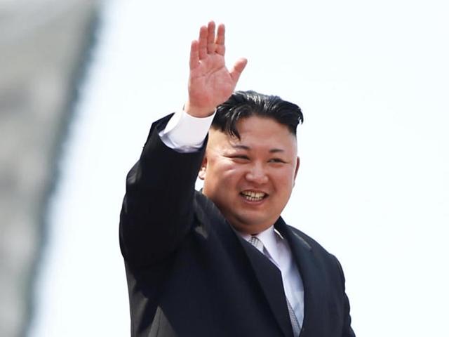 """Phong cách được ca ngợi """"biểu tượng thời trang mới"""" của ông Kim Jong Un"""