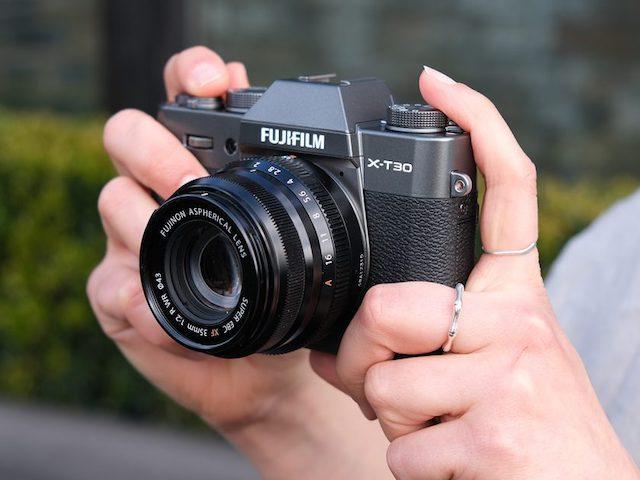 Fujifilm giới thiệu tân binh X-T30: Máy ảnh microless có màn hình xoay, quay phim 4K