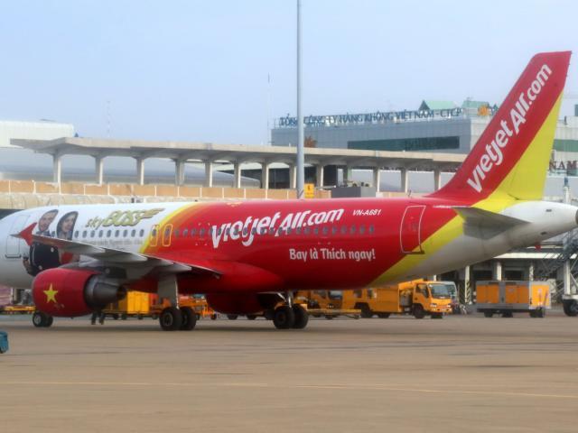 Liên quan đến hợp đồng mua 200 tàu bay Boeing 737 Max, cổ phiếu Vietjet Air ra sao?