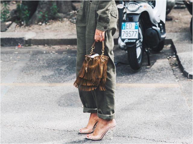 Naked shoe: Những đôi giày trong suốt 3 năm vẫn chưa lỗi mốt